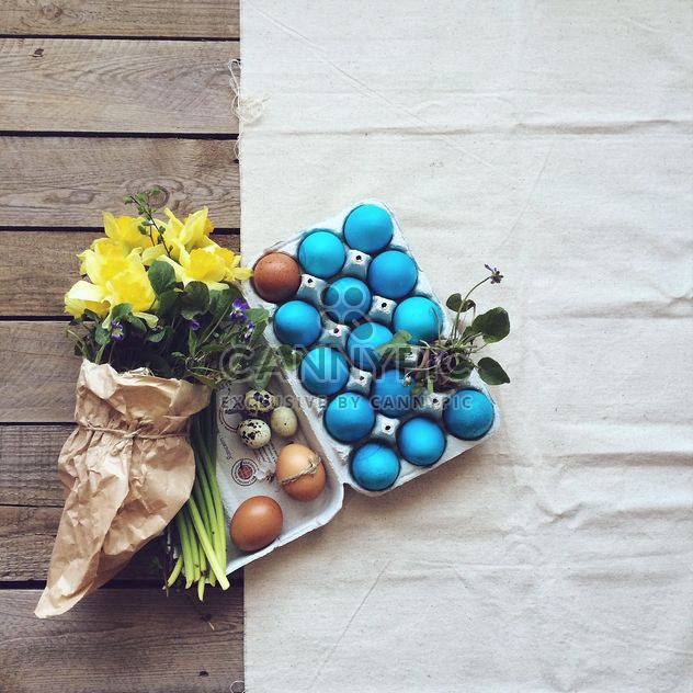 Easter eggs and flowers - Free image #136529