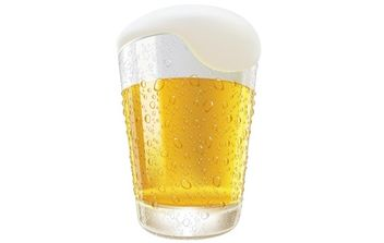 Lifelike Beer Glasses and Beer Bubbles - vector gratuit #168999