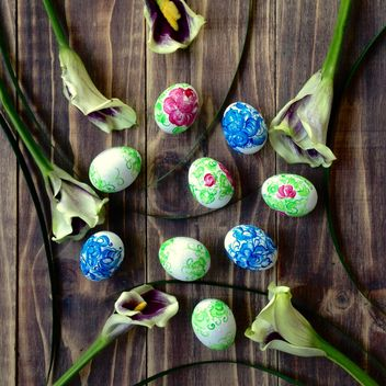 Easter eggs and flowers - image #184209 gratis