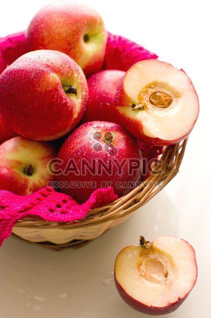 manzanas en cesta - image #185859 gratis