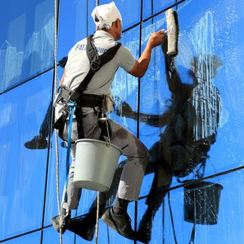 Workers wash windows - image gratuit(e) #186639