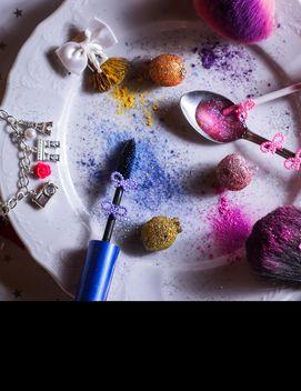 powder, brush, mascara, blush, glitter, princess, dream, bracelet, fashion, cute, plate, lipgloss, girly, makeup, beauty, health, spoon, glitter, cookie, ribbon, heart,pink, stars, 可愛い 化粧品 皿 リップグロス パウダーブラシ キラキラ リボン ピンク スプーン 食器 ビューティー 健康 マスカラ 夢 女の子っぽい  - Free image #187169