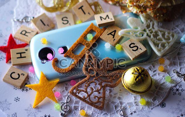 Decoración de la Navidad de smartphone - image #187339 gratis