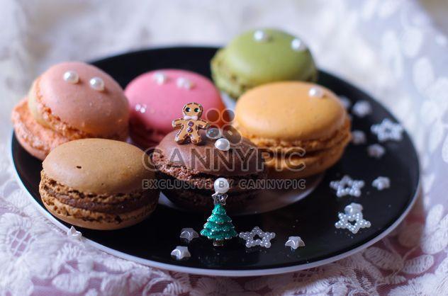 Миндальное печенье с украшениями на плите - Free image #187369