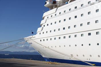 Cruise ship at Rhodes Port, Greece - image #187789 gratis