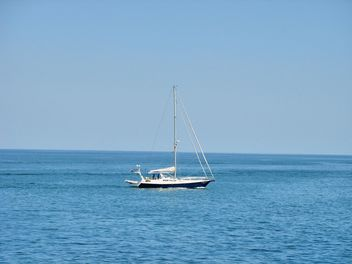 yacht on the sea - image #198109 gratis