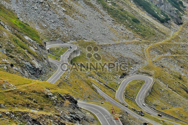 estrada sinuosa Transilvânia Cárpatos Montanhas - Free image #198119