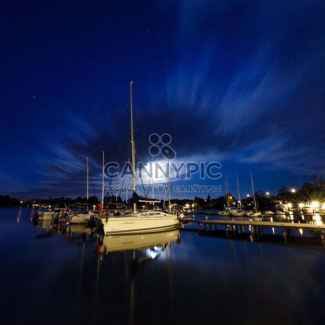 Yachten auf der Pier bei Nacht - Kostenloses image #198559