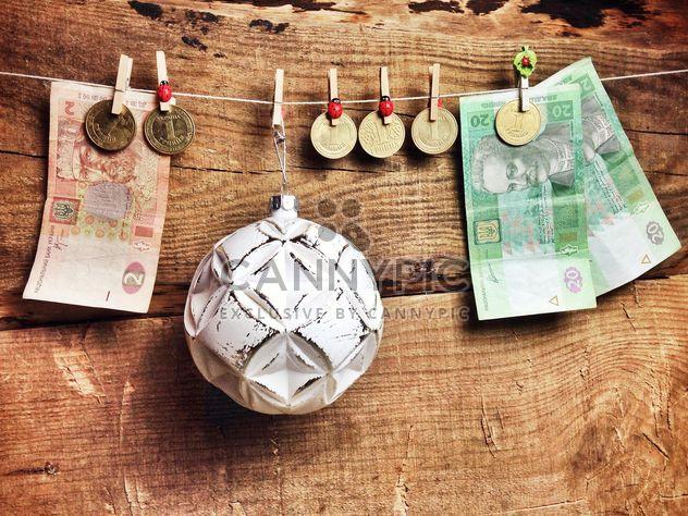 Christmas ball and money - Free image #198959