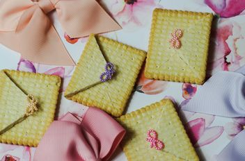 Cookies With A colorful Bows - image gratuit #200999