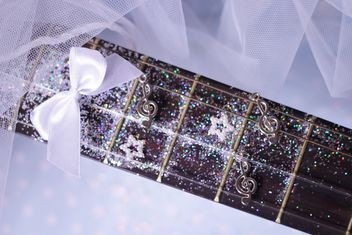 girly guitar glitter - image #201029 gratis