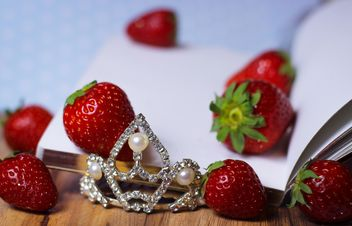 Strawberrie on a diary - Free image #201049