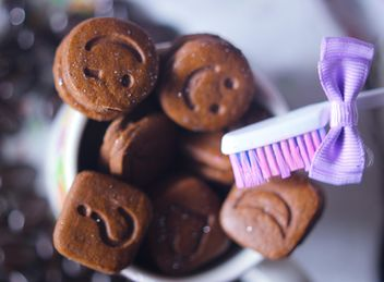 Tiny coockies with smile faces - image gratuit(e) #201119
