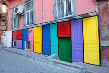 colorful doors - image #272509 gratis
