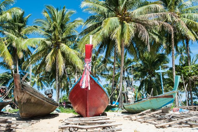 Barques de pêcheurs sur la plage - image gratuit #273549