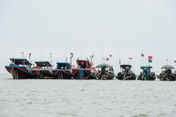 Fishing boats on water - image #273559 gratis