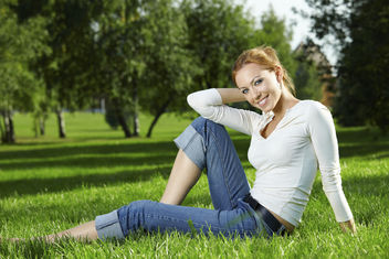 Girl on a lawn - image #284929 gratis