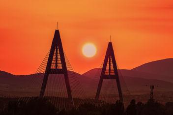 Budapest, sunset on Megyeri bridge - Free image #293189