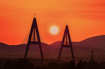Budapest, sunset on Megyeri bridge - image #293189 gratis