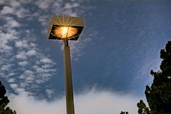 Street light in the sky - image #300759 gratis