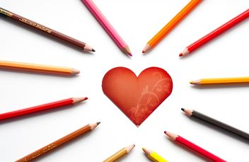 Heart shaped card and pencils - image gratuit #301359