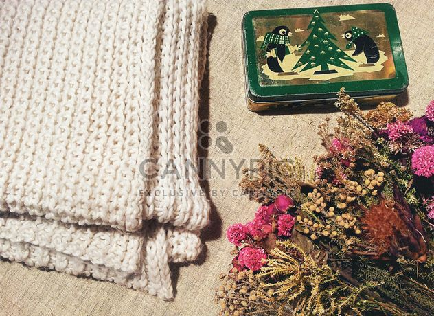 Dry flowers and knitted scarf - Free image #301399
