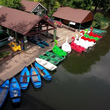 Boats for hire at a boathouse on the river Avon - image #301639 gratis