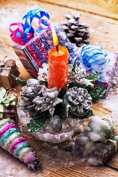 Candlestick with candle and Christmas decorations - бесплатный image #301979