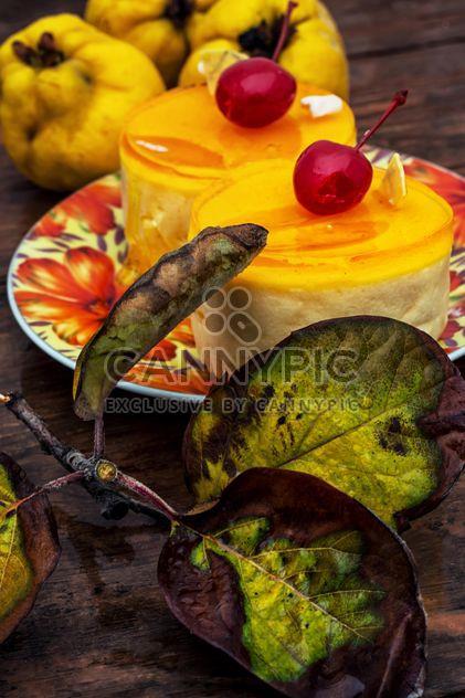 Листья и желтый торты - бесплатный image #302069