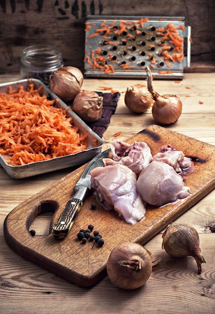 Raw chicken filet, carrot and onions - бесплатный image #302089