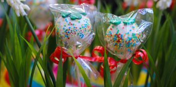 grass decorated with sweets - бесплатный image #302399