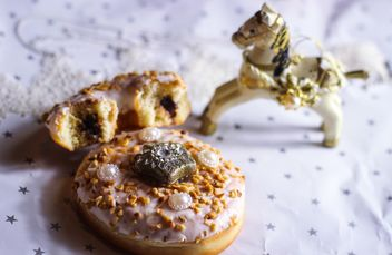 Christmas decoration of doughnut - image #302759 gratis