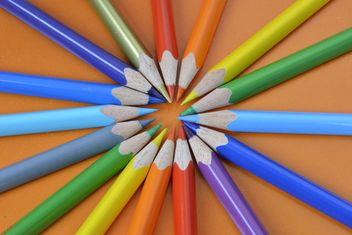 Coloured pencils - image gratuit(e) #302829