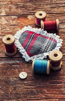 Spools of threads and small pillow - Free image #305699