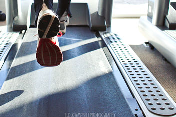 Running on a treadmill - бесплатный image #309269