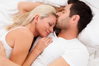 Loving couple lying in bed - бесплатный image #317949