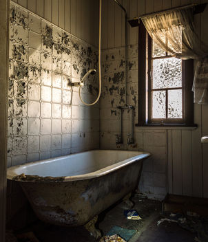 Abandoned Bath Room - image gratuit #319329