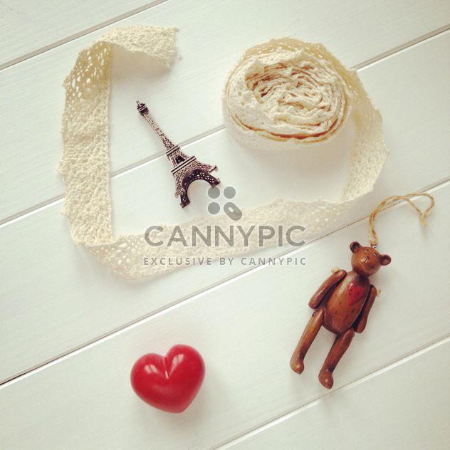 Декоративные предметы на белом фоне - Free image #329079