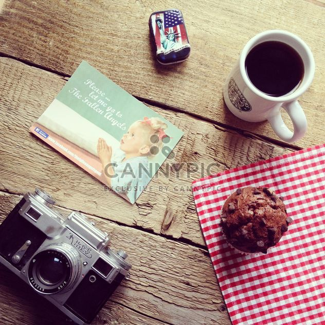 Old camera, cup of coffee, card and cupcake - Free image #329119