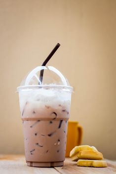 Iced coffee in plastic glass - бесплатный image #330429