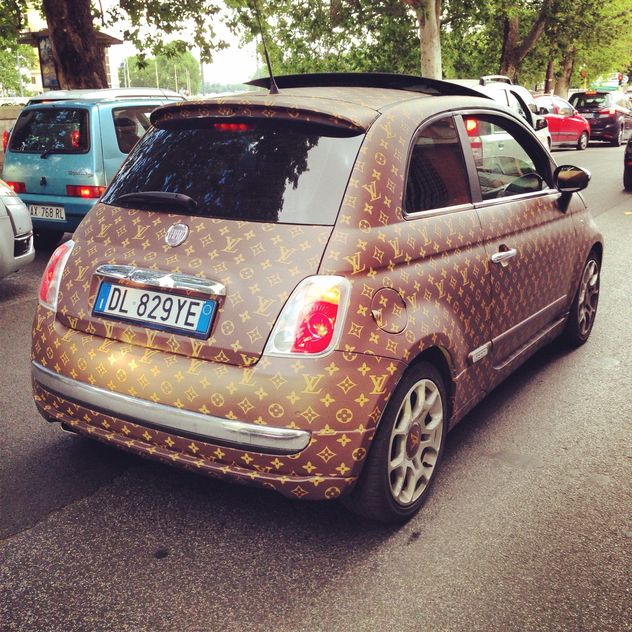 Fiat 500 car in street - image #331029 gratis