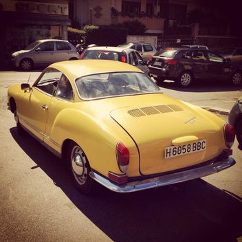 Old yellow car - image gratuit #331039
