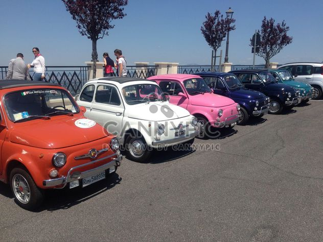 Carros de Fiat 500 coloridos - Free image #331199