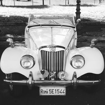 Retro white MG Car - image gratuit #331299
