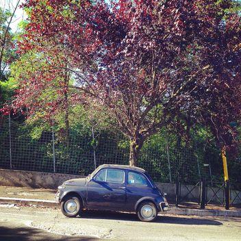 Violet Fiat 500 car - Free image #331319