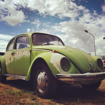 Green Volkswagen Beetle car - бесплатный image #331519