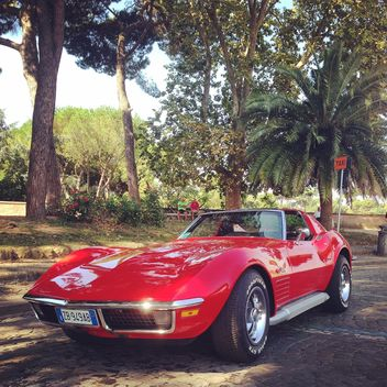 Old red Corvette - image gratuit #331559