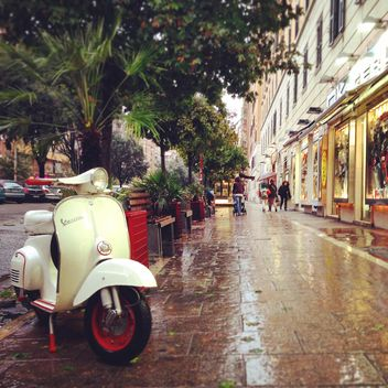 Vespa scooter in the street of Rome - бесплатный image #331739