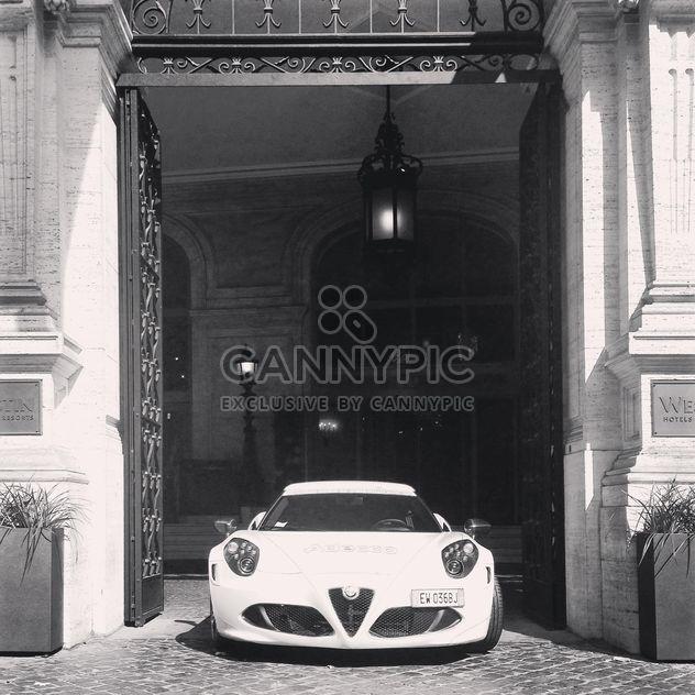 Alfa Romeo 4C, blanco y negro -  image #331849 gratis