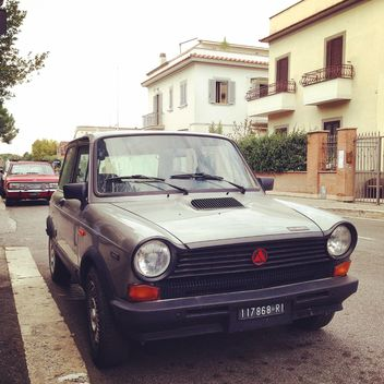 Old car in street of Rome - бесплатный image #331889